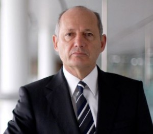 Ron Dennis portrait: Future Manor owner?